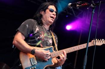 central-brasileira-de-shows-pepeu-gomes-um-dos-melhores-guitarristas-do-brasil